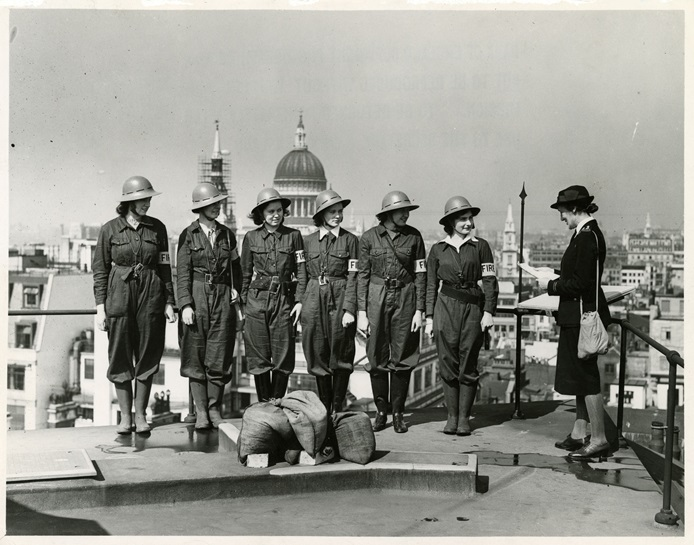 Women Fire Guards practising on the roof of the Bank, Threadneedle Street 1942 (Archive reference: 15A13/1/4/22)