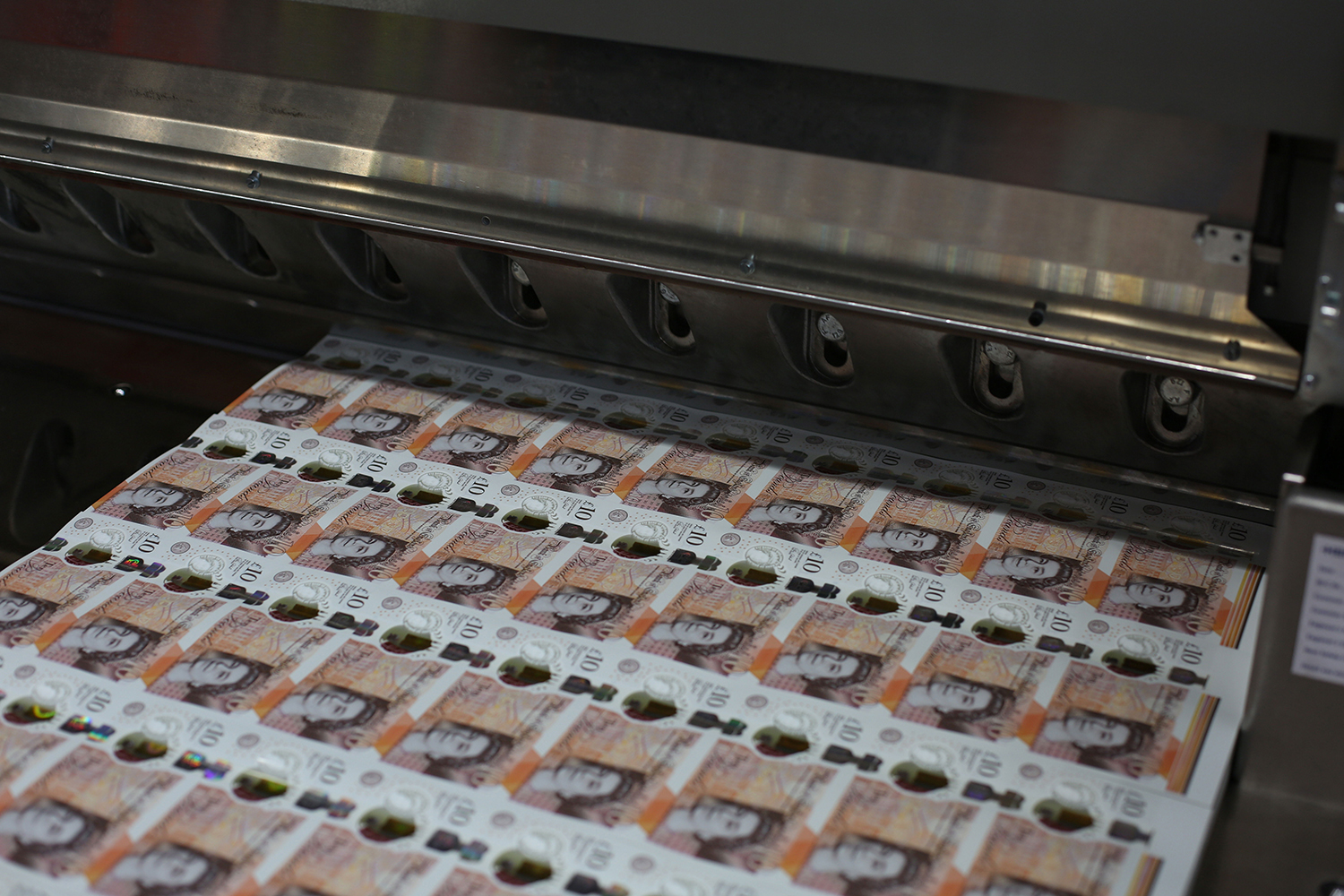Production of the new £10 note